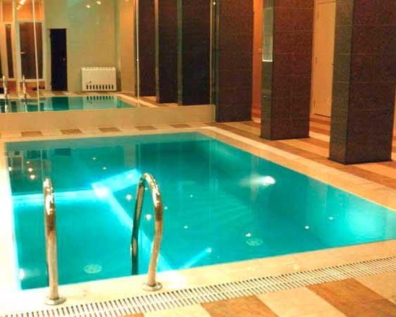 Особенности, выбор и процесс использования пленки для бассейна