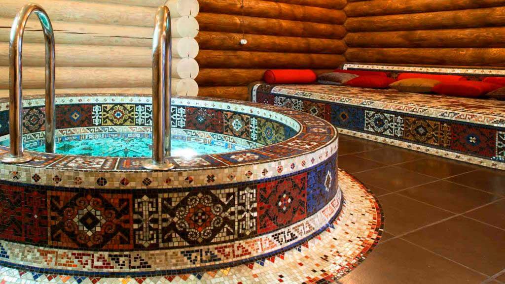 Отделка бассейна мозаикой