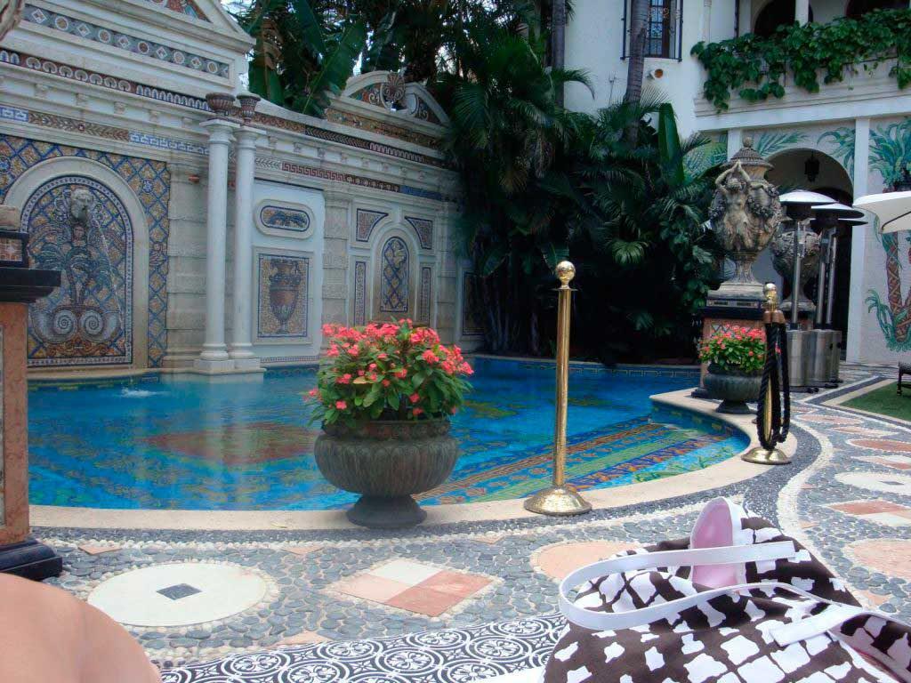 Как выбрать мозаику для бассейна