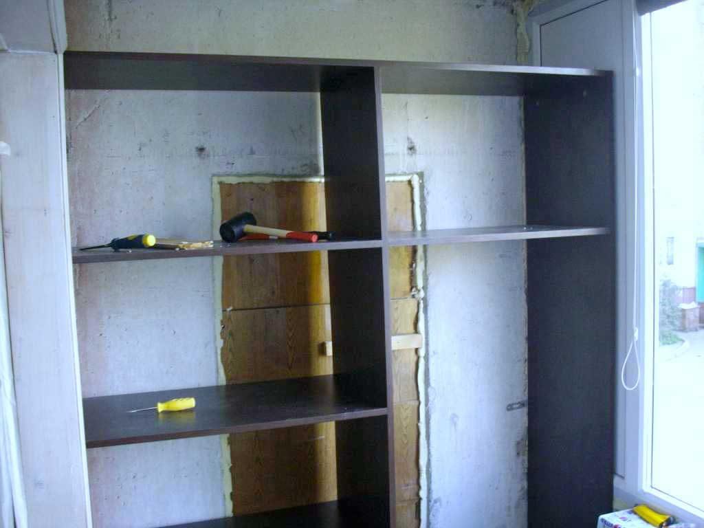 Как-сделать-шкаф-на-балконе-27