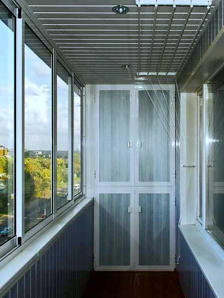 Как-сделать-шкаф-на-балконе-32