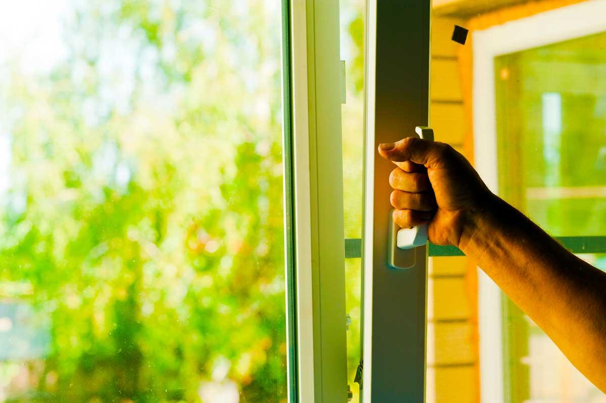 Устанавливаем пластиковые окна