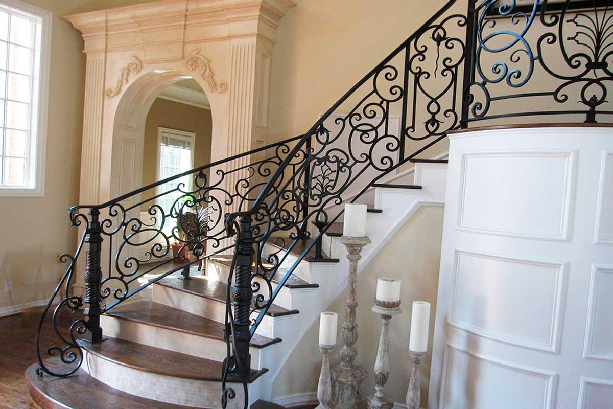 Кованные лестничные ограждения для частного дома