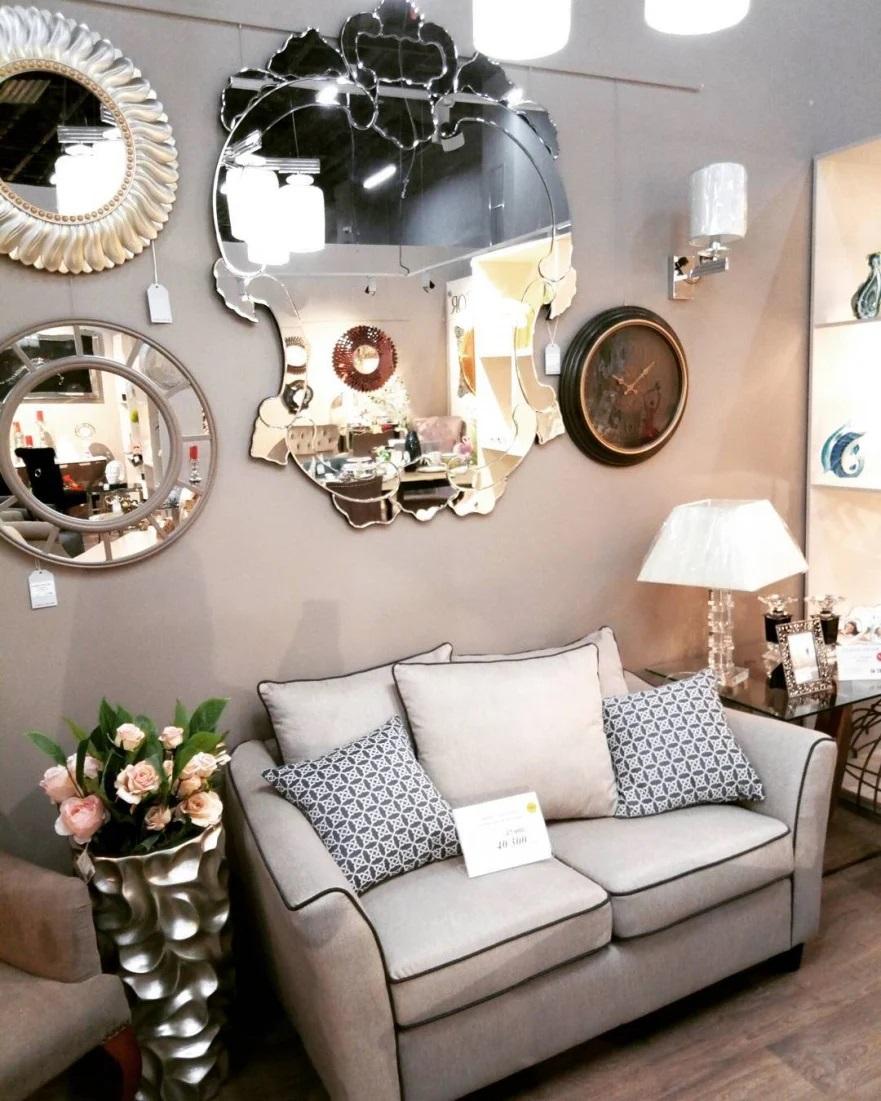 Зеркало необычной формы для гармонии и уюта в каждом доме